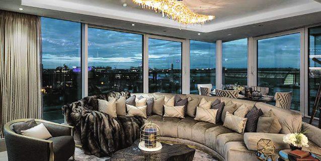 Апартаменты в Лондоне, Manooi Crystal Chandeliers