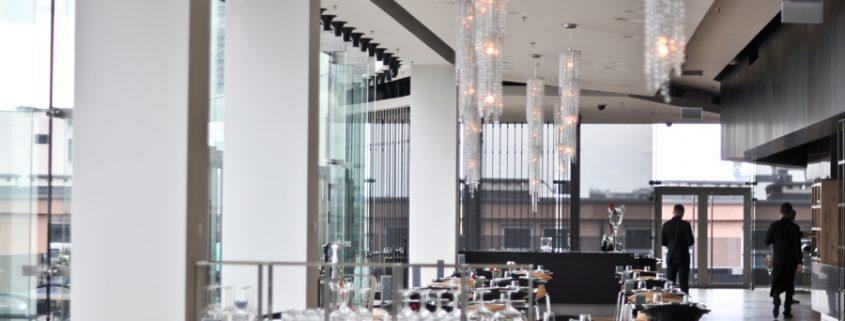 Люстры Manooi в Wolf Bracka Luxury Plaza, Manooi Crystal Chandeliers