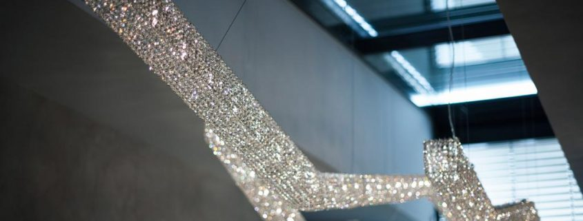 Инсталляция с Moha, Manooi Crystal Chandeliers