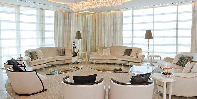 Дубайский пентхаус, Manooi Crystal Chandeliers